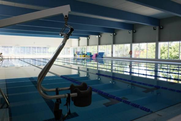 La piscina municipal cubierta de puerto real abierta al for Piscina municipal puerto de la cruz